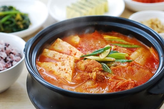 Photo belongs Korean Bapsang! I wish I could make jjigae that good looking...